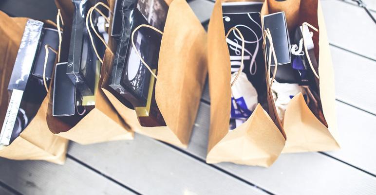 holiday-retail-sales-salons-1.jpg