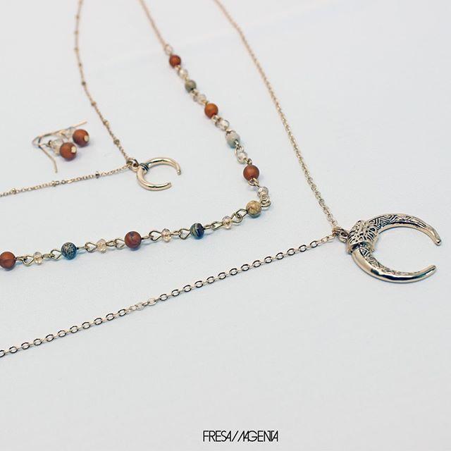 Disponible en cualquiera de nuestras sucursales.  Precio de este modelo: $269  #accesorios #fashion #moda #bisuteria #collar #collaresdemoda #collares #necklace #necklaces #necklaceshop #necklacelover #joyeria #joyas #style #like #accesoriosdemoda #regalos #fresamagenta