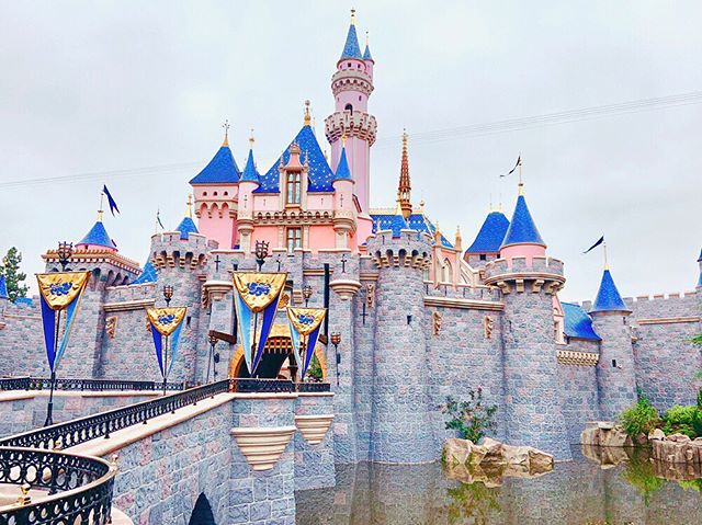 On another note — The new Sleeping Beauty Castle was recently unveiled after an extensive enhancement by the fairies! ✨ Can we just take a minute to admire the work? WOW.