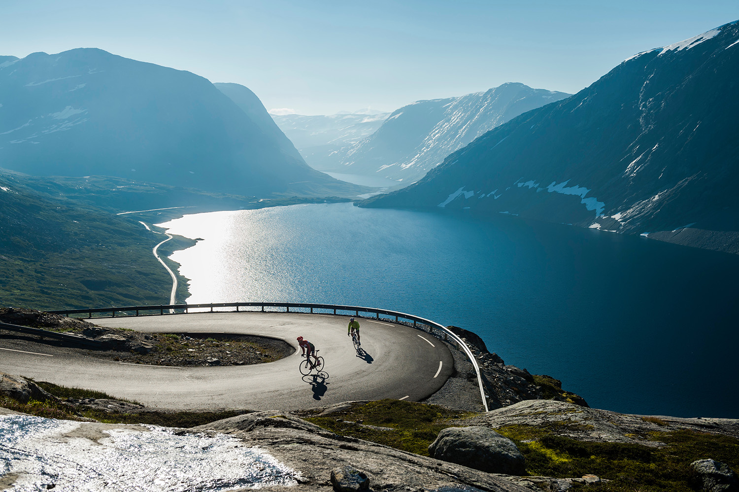 Beutiful biking - Photo: FjordNorway.com