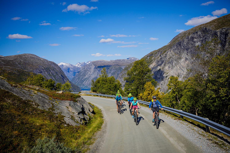 bikes-mountains-Adventure-Travel-Norway-kopi.jpg