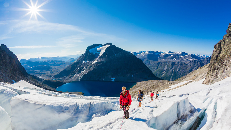 glacier-trekk-mountains-Adventure-Travel-Norway-kopi.jpg