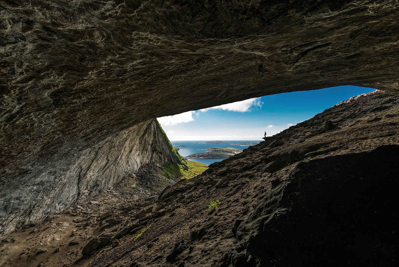 grotte--Adventure-Travel-Norway-kopi.jpg