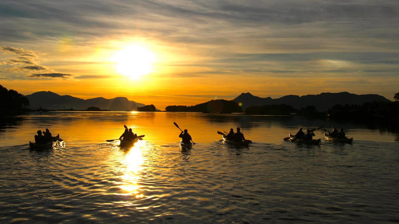 kayak-midnightsun-kopi.jpg