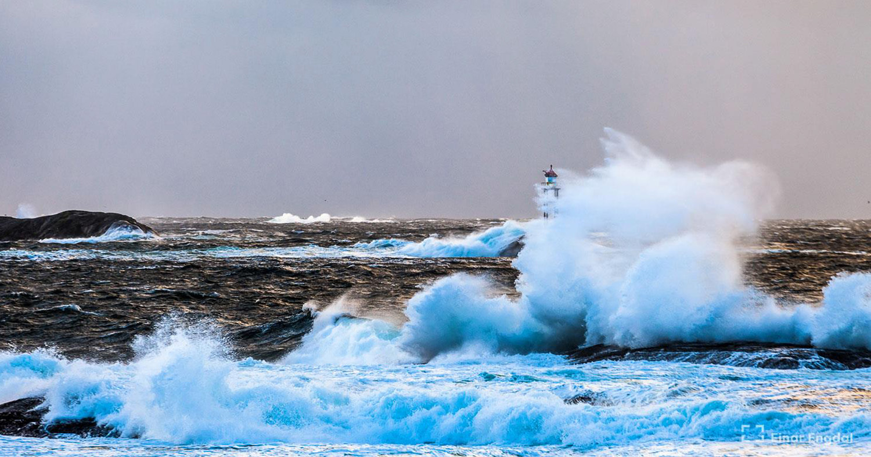 lighthouse waves Einar Engdal 2018-7-kopi.jpg