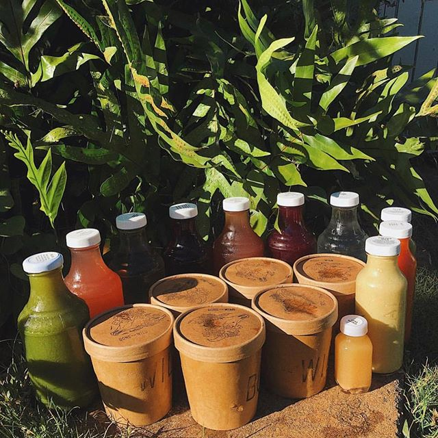 🌈🥘⚡️ Cleanse Goals 🌈🥘⚡️ If you've been craving a reset, the Gut Rehab Cleanse is exactly what you need. • 3 days • 6 Bone broths • 11 fresh juices & elixirs • 6 triphala vitamins • 1 happy gut 😊 visit our website to pre order yours today 🌈✨🤸🏽♀️ ________________________________________________________#bonetobewild #kauai #gutcleanse #juicecleanse #kauaifood #bonebroth #bonebrothdiet
