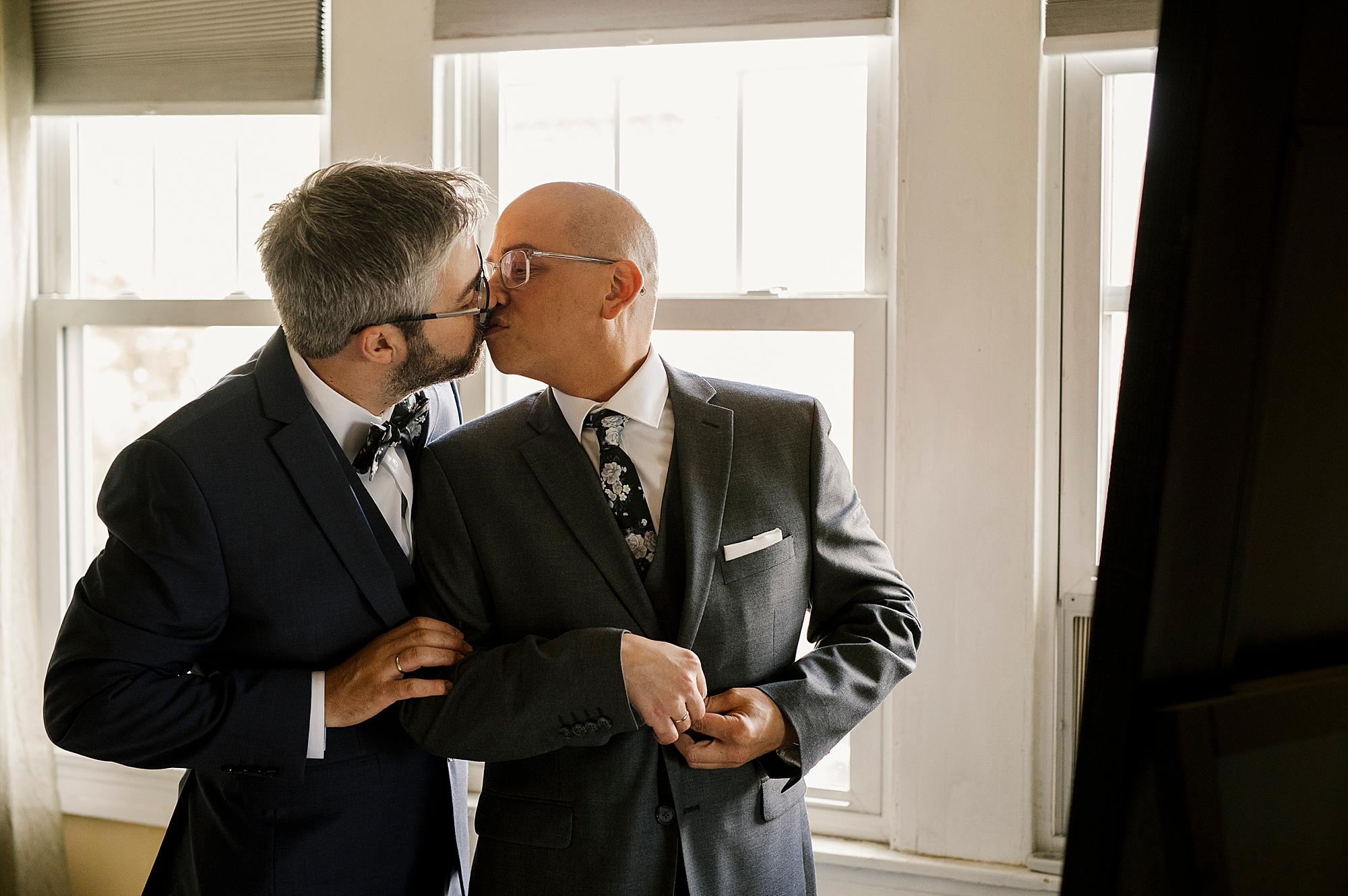 Love_by_Joe_Mac_Philadelphia_Wedding_Gay_LGBT_photography_Acadamy_of_Vocal_Arts__0019.jpg