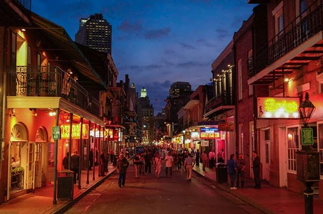 In NOLA's and had to check out Bourbon Street as the celebrated its 300th anniversary (1718-2018) and Voodoo Fest. I got out before it got too crazy, but it's a 24/7 party here #tired #almostdone #nosmiles (check my story to see more moments in The Big Easy) - - - Check out the link in bio to donate and follow the journey from California to Florida!#CodeXInspire - - - - - - #nola #neworleans #bourbon #street #voodoofest #saints #tulane #loyola #saintcharles #louisianna #south #bike #cycle #ride #bikelife #code