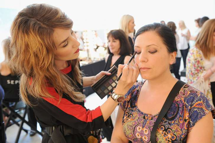 """""""At the beauty specialists Sephora, there is never a shortage of easily-identifiable sales associates who are ready to answer questions or even give you an on-the-spot mini makeover."""" -"""
