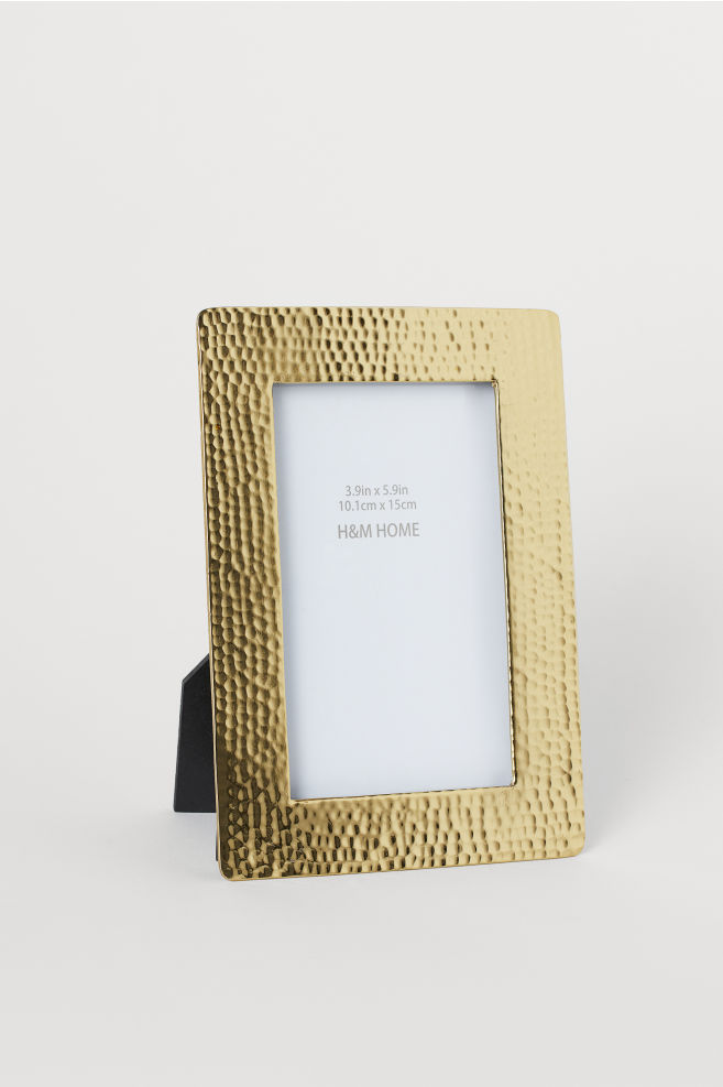 Metal frame,  $17.99 from H&M Home   Photo:  H&M Home