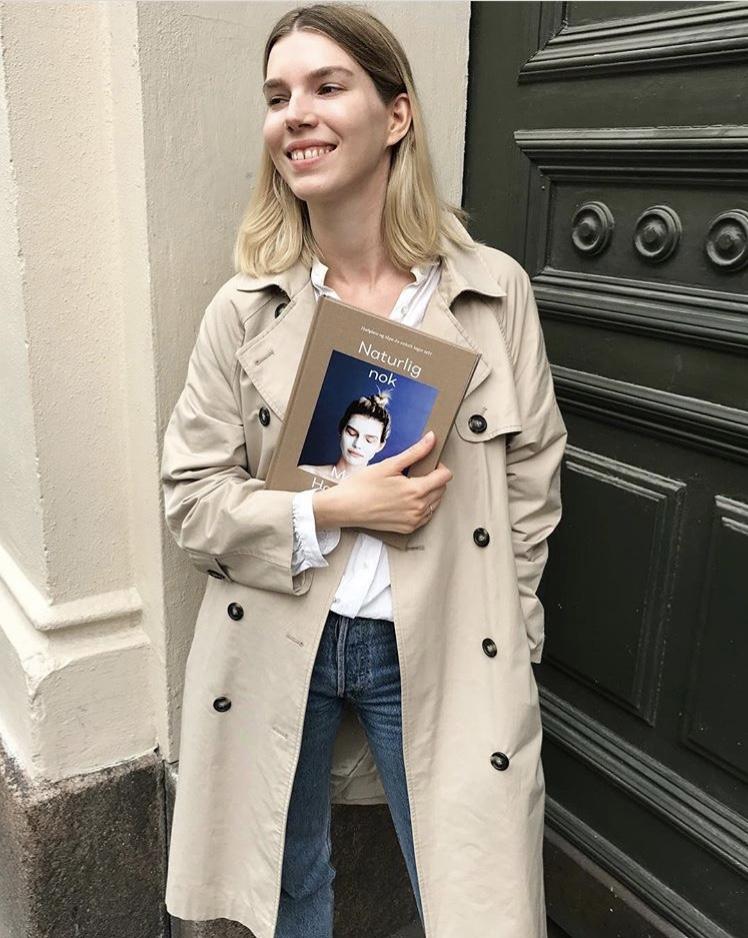 Maja with her book 'Naturlig nok'.