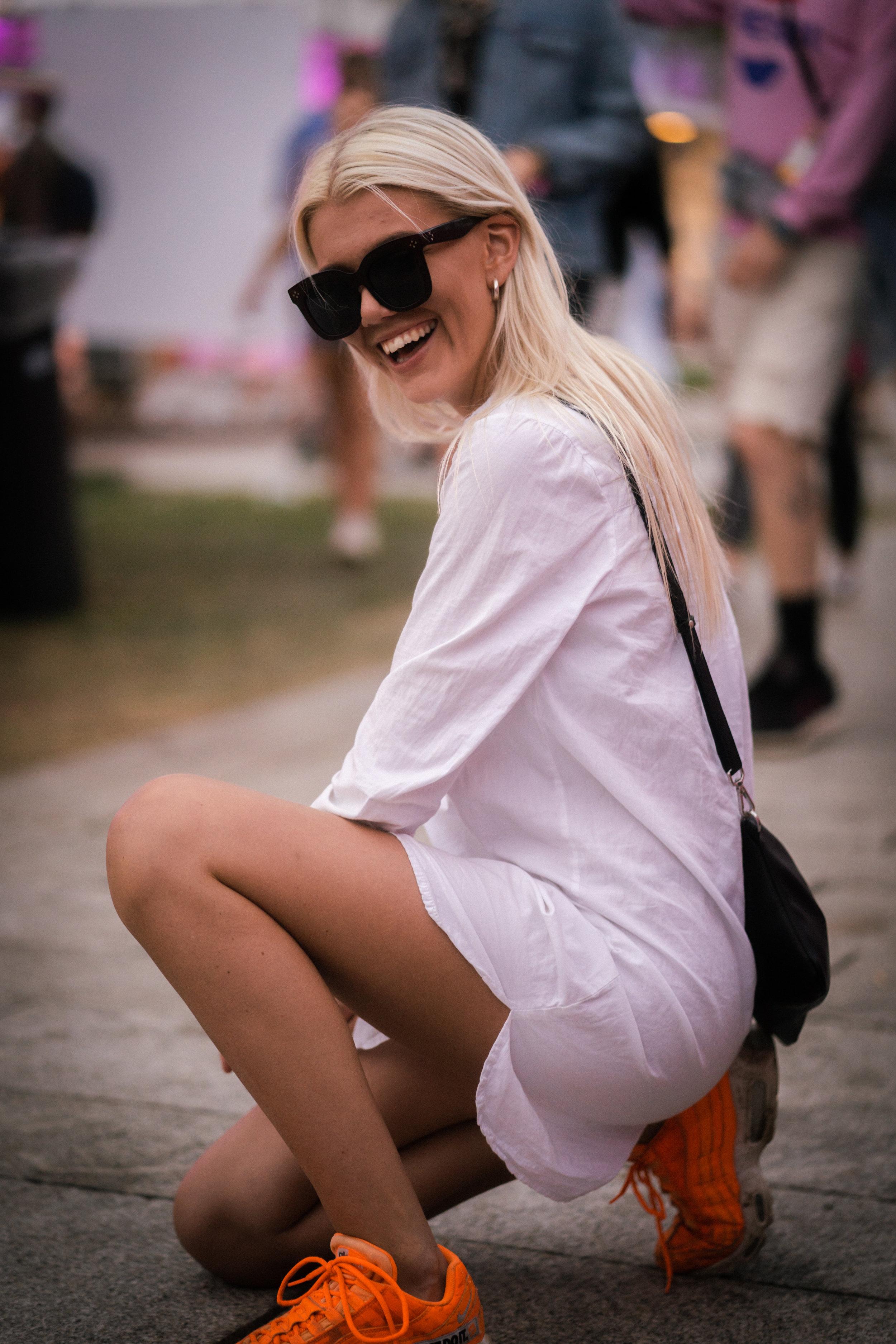 Emma Ringøen    in neon sneakers from Nike and dress from Asos! Photo: Sander Berhus / Estér Magazine.
