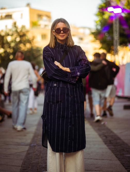 Andrea Takle    looks so stylish in oversized jacket and pants! Photo: Sander Berhus / Estér Magazine.