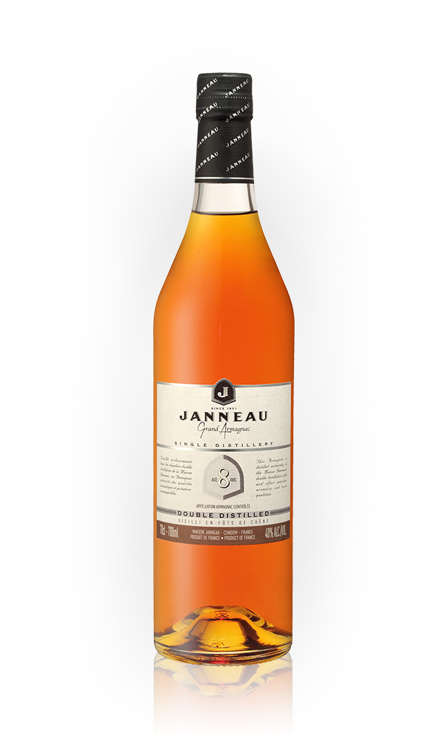 Bottles_0008_Janneau-8yr.png
