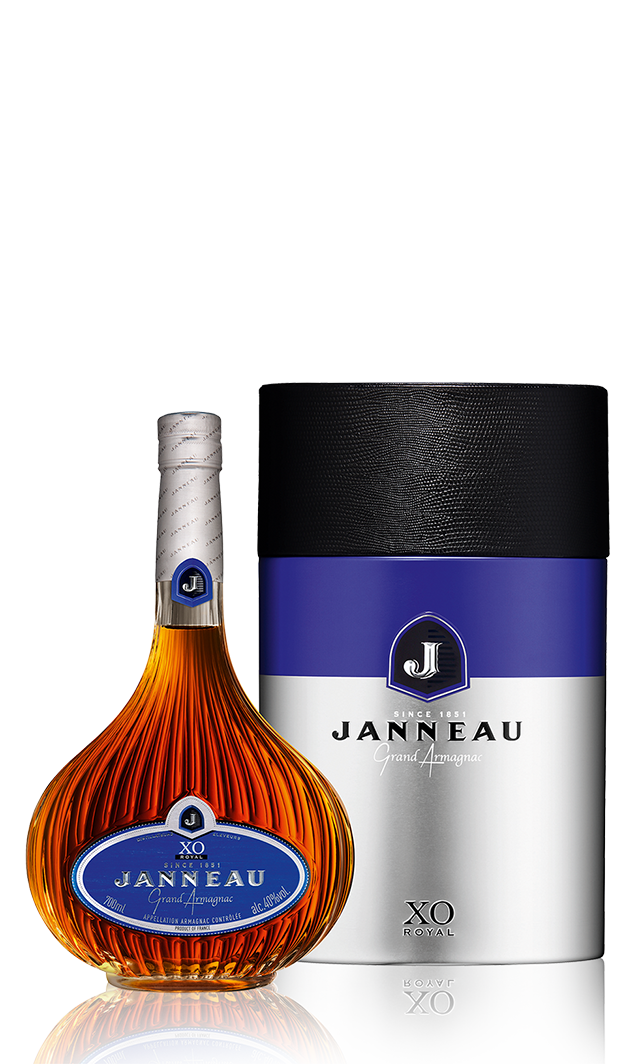 Bottles_0029_Janneau-XO-Royal copy.png