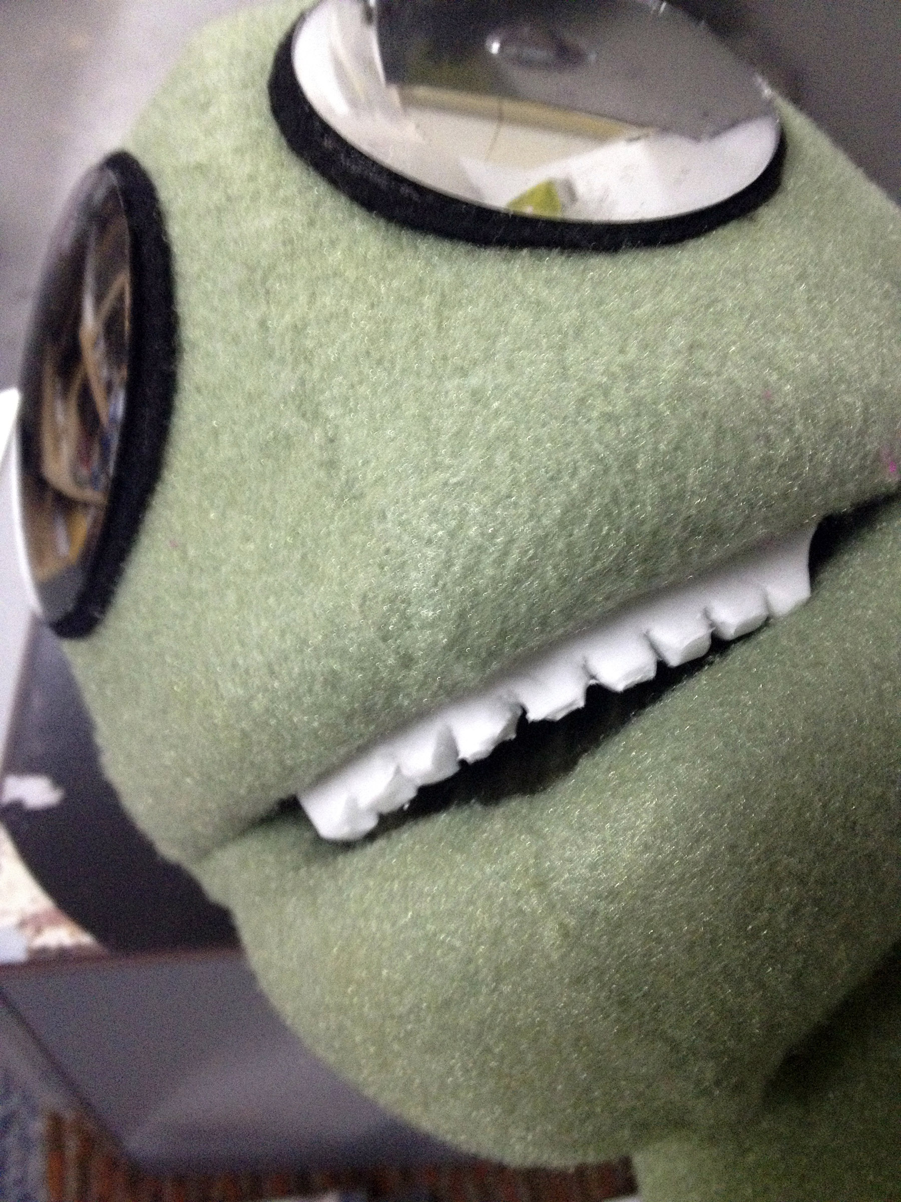 Alien puppet
