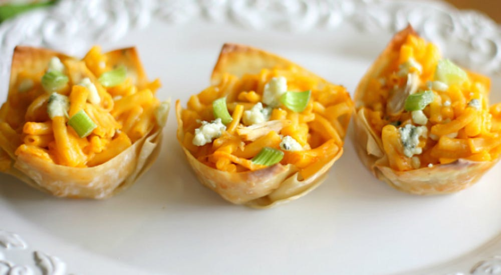 crums-recipes-buffalo-mac-cheese-cakes.jpg