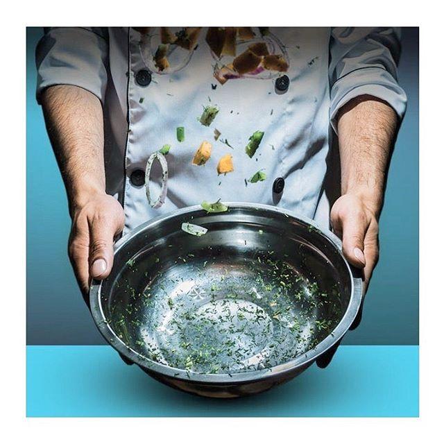 Samedi et dimanche prochains, lors de l'événement Sherbrooke t'en bouche un coin 2019, l'inventive cheffe Geneviève Roy de Picassiette Chef-Traiteur incorporera les sauces piquantes MONK à ses recettes. Nous serons là pour présenter nos produits et rencontrer les épicuriens de l'Estrie 🌶️🔥😋. @stebuc_  #picassiette #chef #cuisine #stebuc #sherbrooke #estrie #saucepiquante #saucemonk#hot#sauce#mtl#montreal#handmade#product#spicy#madeinmontreal#spicysauce#habannero#jalapeno#design#graphic#monk#food#vegan#foody