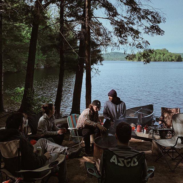 Les plaisirs de la vie. . . . . . #outdoors#nature#friends#camping#lake#summer#saucemonk#hotsauce#mtl#montreal#portrait#vsco#vscocam#vscogood#photography#photooftheday#goodvibes#handmade#faitàmontréal#explorequebec