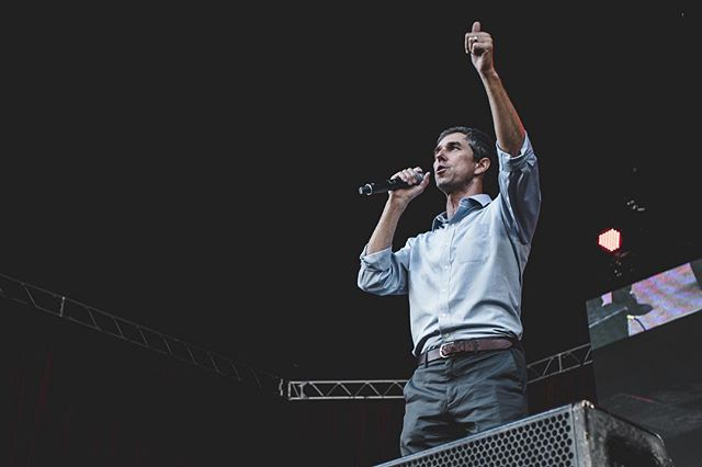 It's #ElectionDay. No matter the outcome it was a pleasure to capture such a captivating man in action. @betoorourke has awoken many people in the great state of Texas-to say the least. Make today matter, go vote. // A todos mis latinos- nosotros #somosmas . Tenemos qué hacer hoy contar y tenemos qué votar. //#historyinthemaking #beto #betofortexas #betoorourke #betoforsenate #govote #yourvotematters #texas #senate #hellodeer #photography #portraitphotography #votolatino #bethechange #votelikeyourrightsdependonit #somosmas @votolatino