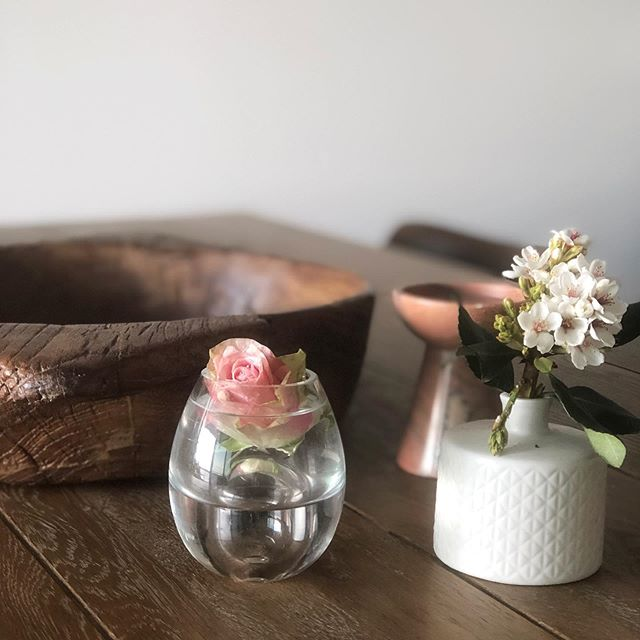 Treasures for a Thursday ... 💗  #vignette #tablestyling #fresh #simplicity #interiors #decoration