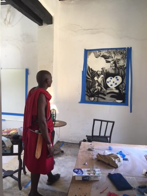 Onlooker observes Flórido's work