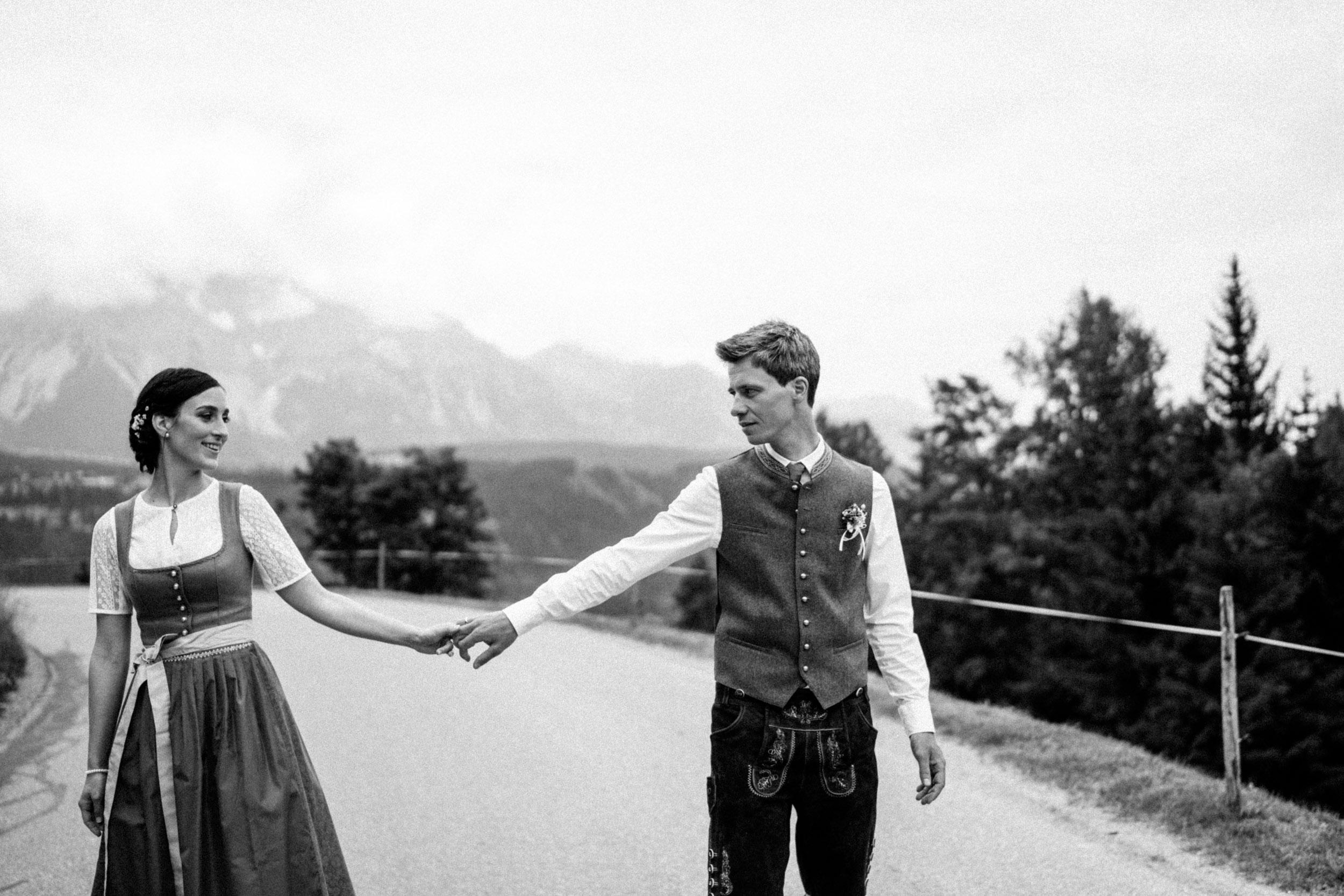 austria_mountain_wedding_photography_countryside_vienna-12.jpg