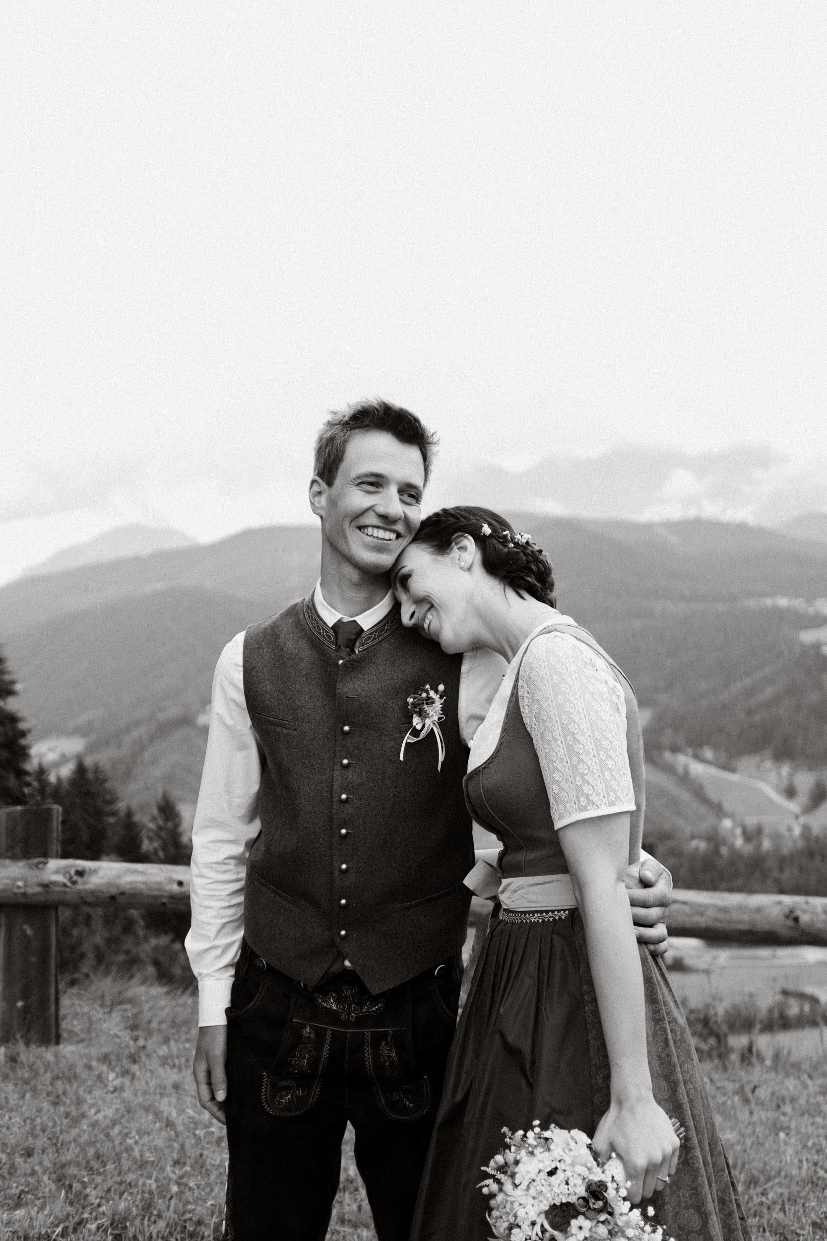 austria_mountain_wedding_photography_countryside_vienna-15.jpg