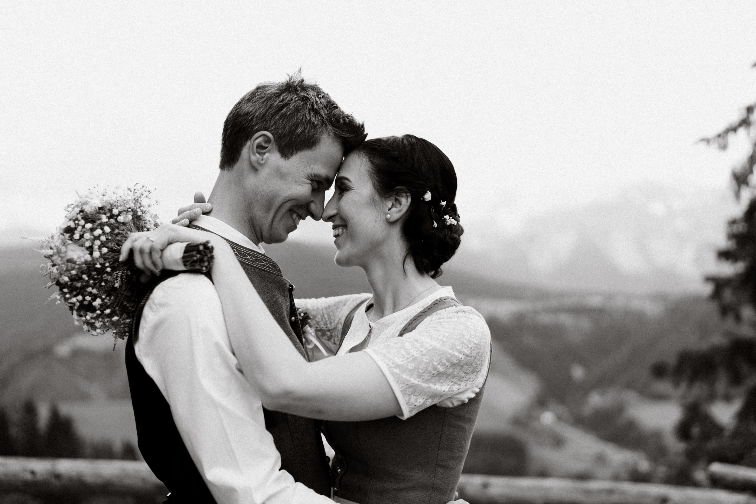 austria_mountain_wedding_photography_countryside_vienna-17.jpg