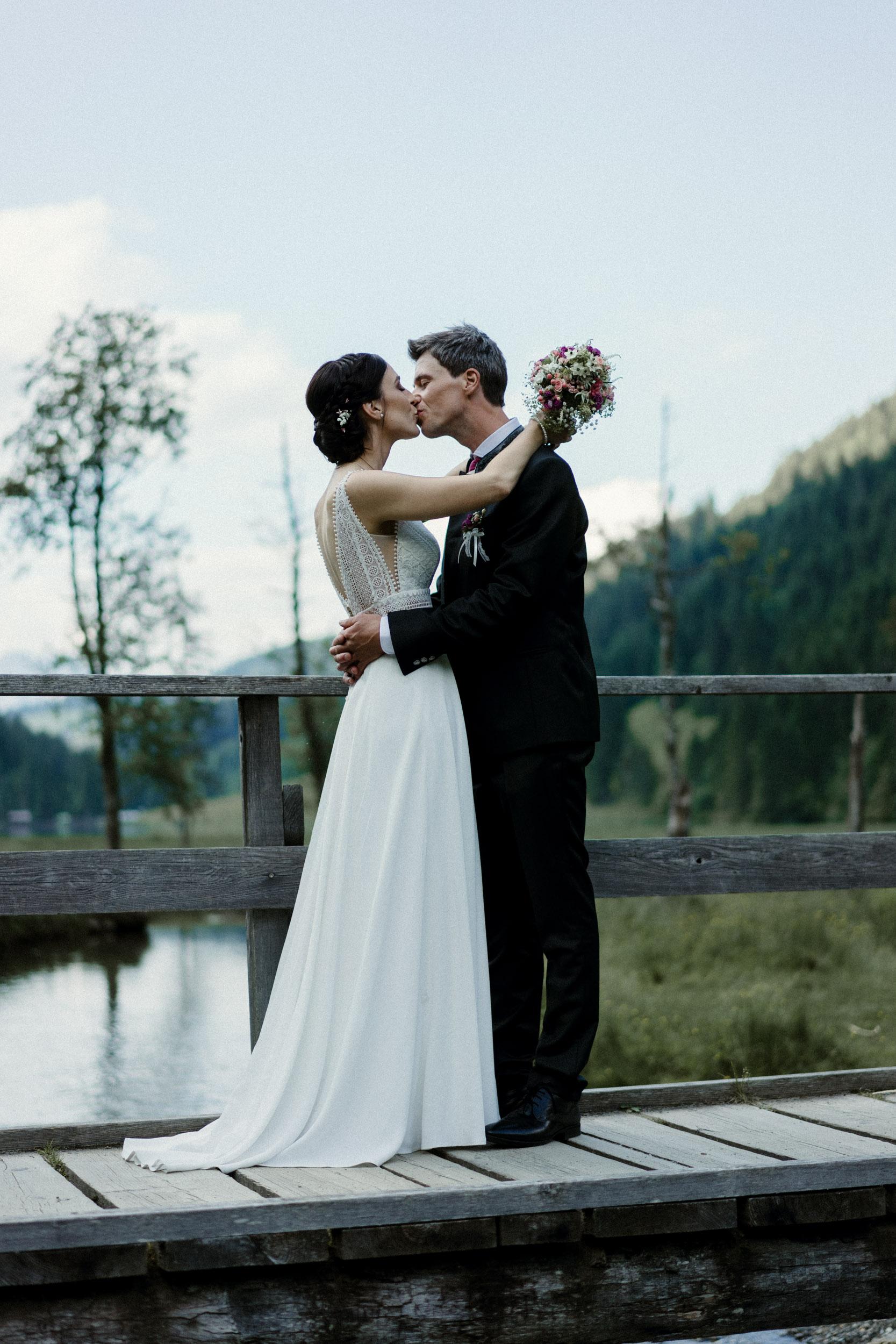austria_mountain_wedding_photography_countryside_vienna-34.jpg