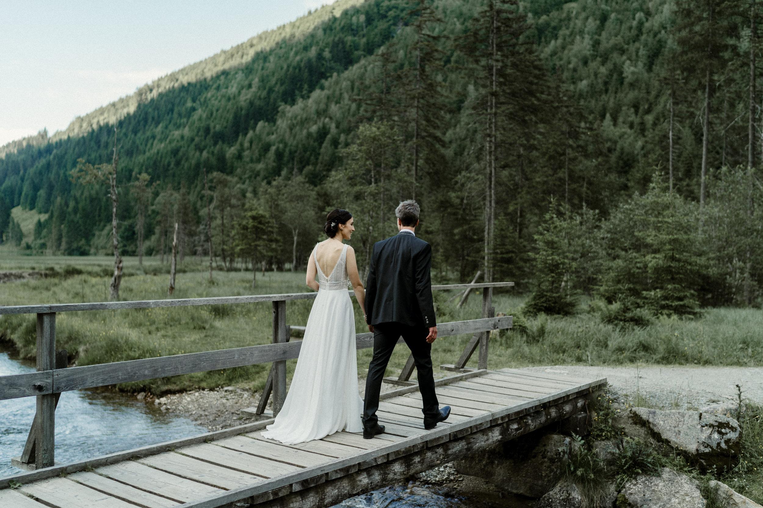 austria_mountain_wedding_photography_countryside_vienna-41.jpg