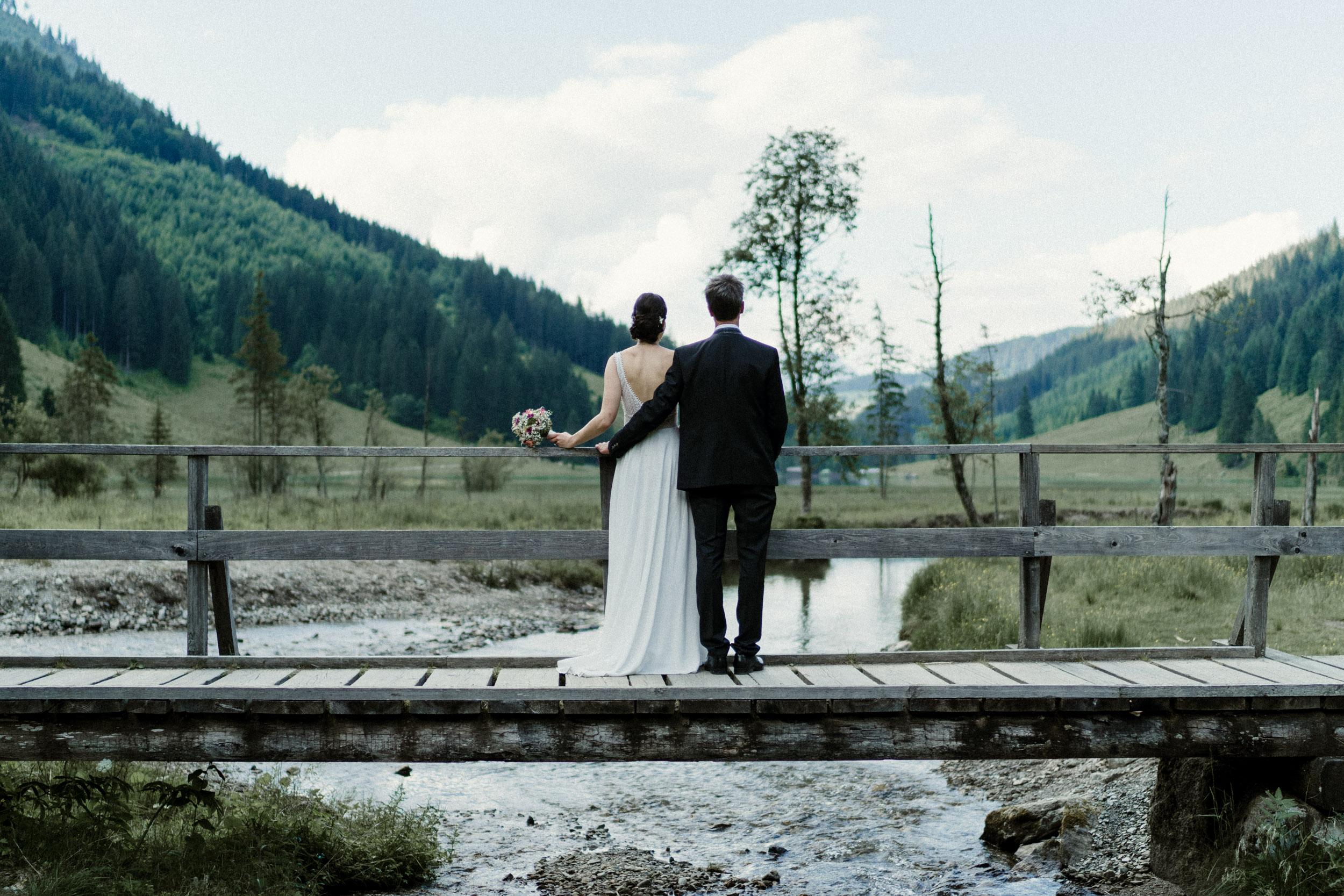 austria_mountain_wedding_photography_countryside_vienna-44.jpg