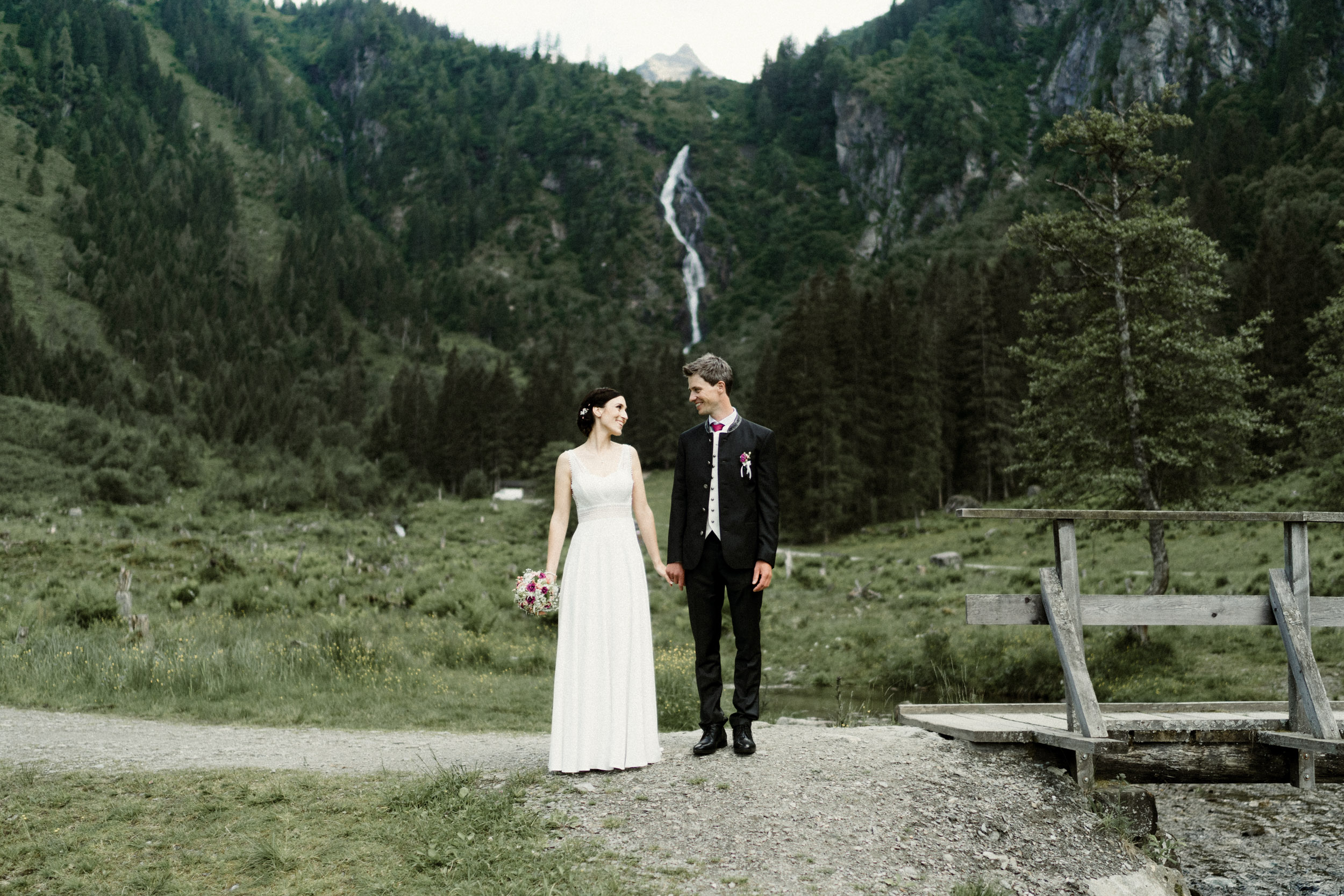 austria_mountain_wedding_photography_countryside_vienna-45.jpg