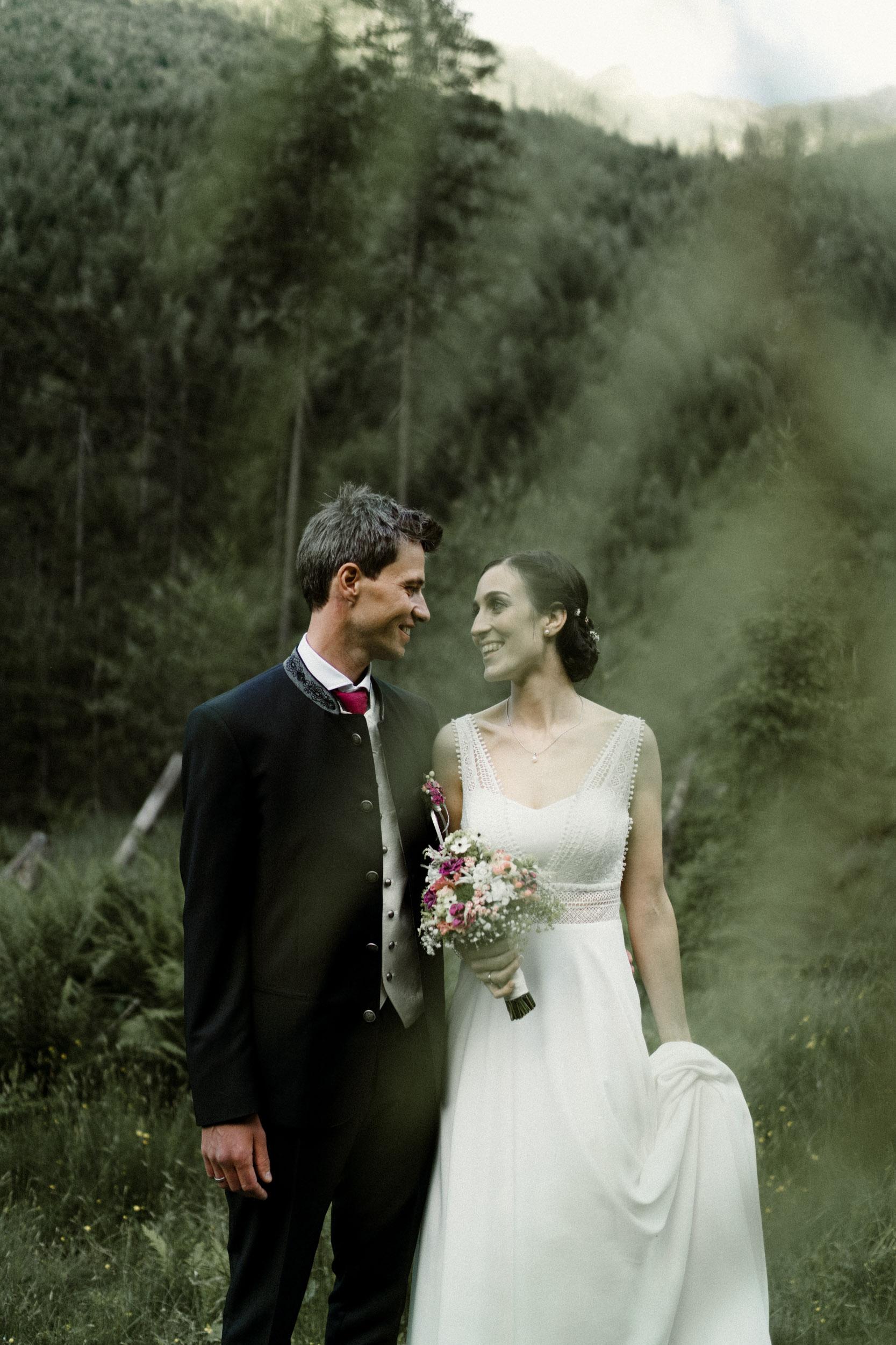 austria_mountain_wedding_photography_countryside_vienna-47.jpg