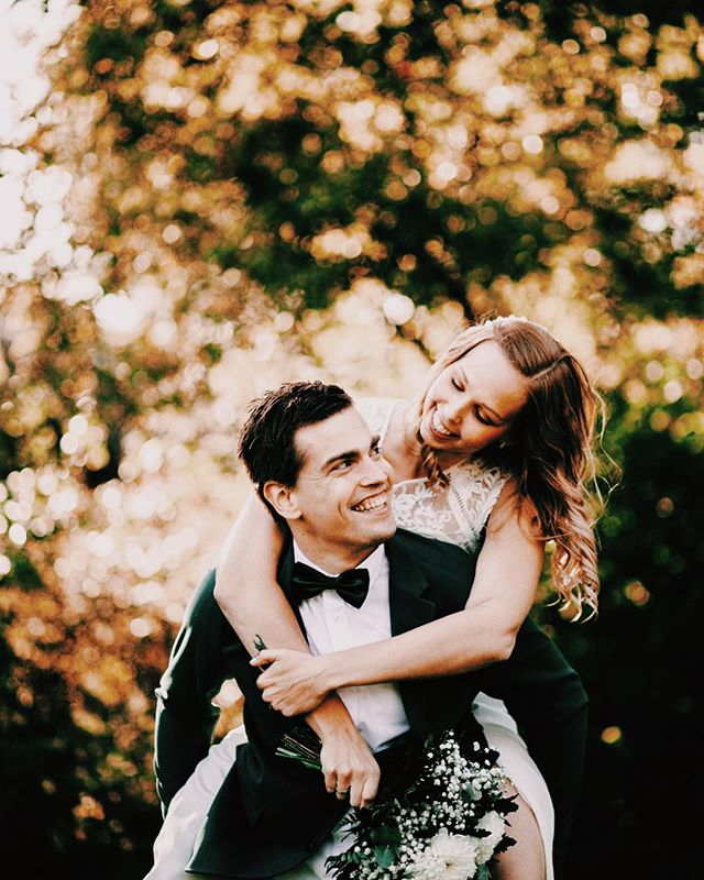Well, somehow in the past 12 hours I managed to go from havin to shoot 2 more civil weddings to having to shoot 4. 😅 Oops! I promised myself I would take a week off once this week is done! 😌 Gotta recharge those batteries before the autumn couple sessions begin! 🍂✨😍 Here's some happiness and joy from Luna and Alex's wedding! 💖 LOOK HOW CUTE THESE TWO ARE!! I loooove them! ✨😍 Guys, get ready because I'm about to finish your gallery, yay! 🥳✨