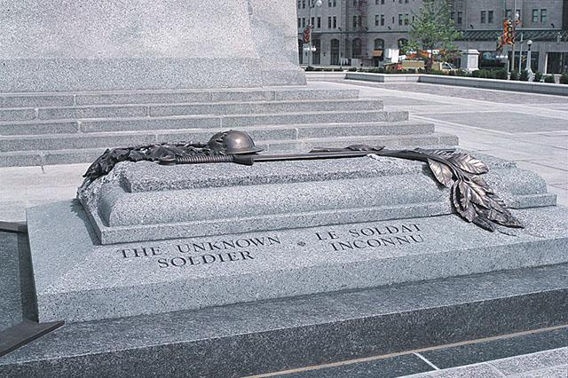 unknownSoldierTomb_large.jpg