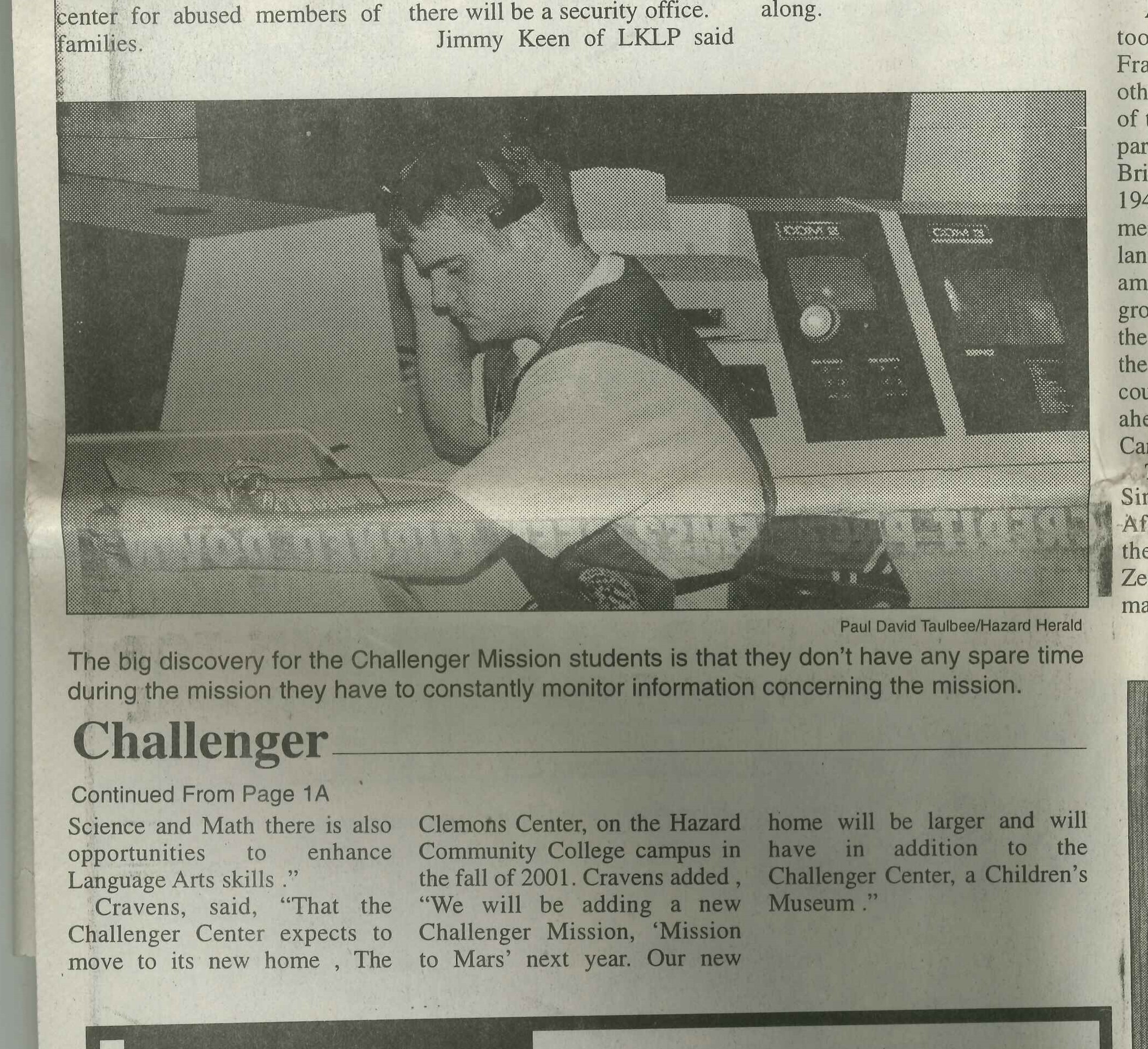 2000-03-15 Hazard Herald Cumberland Middle School flies Challenger Mission 279 continued.jpg