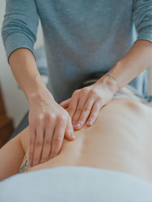 Carlson-Wellness-Massage-Milwaukee-Wisconsin-Services-In-Office-Massage-Therapists