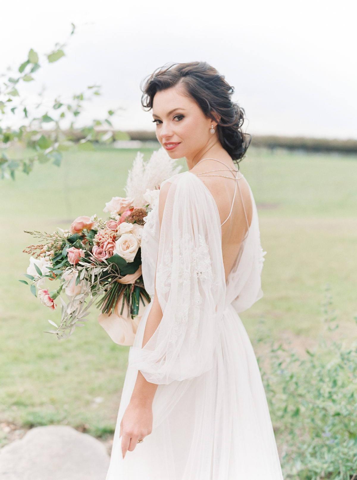 Are you stuck browsing Pinterest and thinking about how much every wedding looks exactly the same?? We feel ya. 2019 is full of new and inspiring bridal trends that are sure to set you apart from the rest! We like to say that individuality is built into these trends. Here are seven of our favorites with tips on how to incorporate them into your wedding, what works well with them, and what kind of vibe they can create for your wedding!