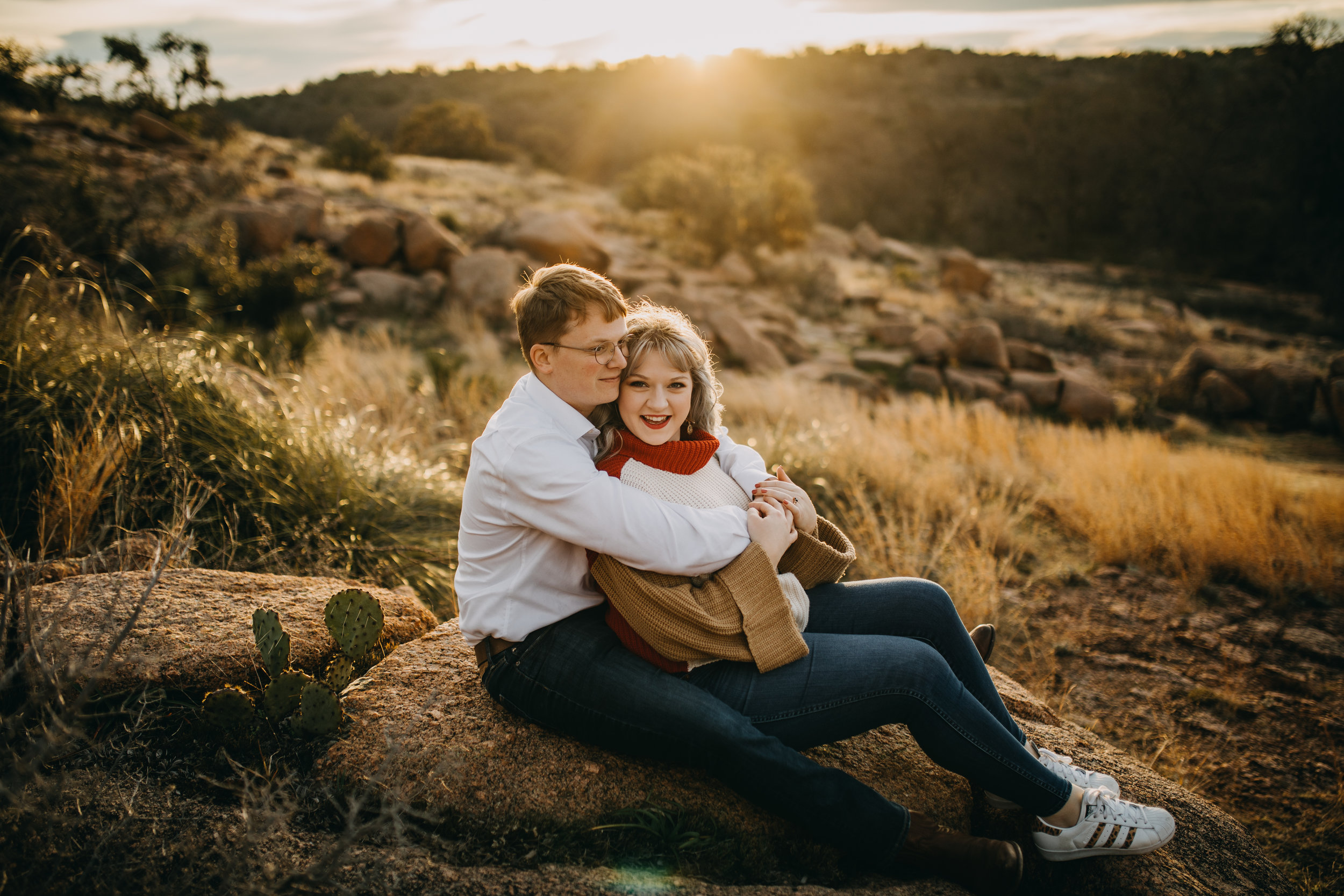 Engagement pictures can be unreasonably stressful! From deciding what to wear to being behind a professional camera for the first time, we understand why! Here are five tips on how to have the best engagement session ever!