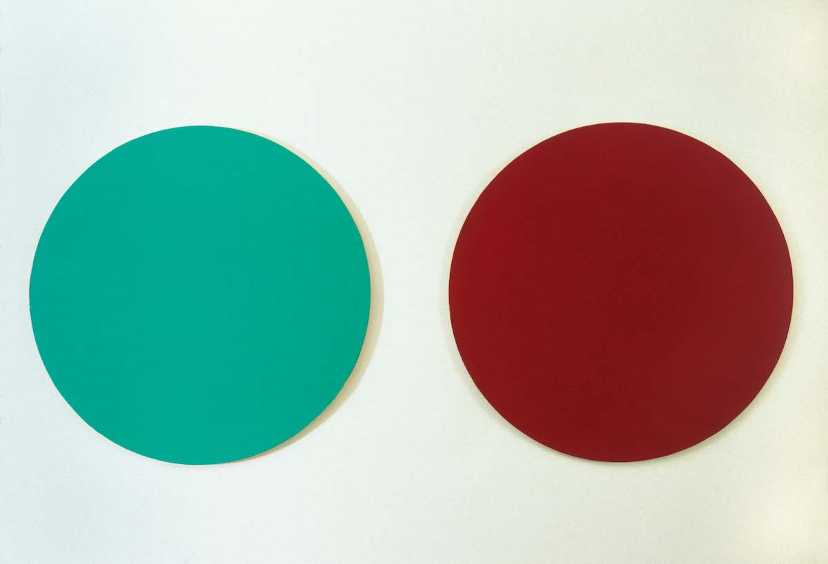 Untitled , 2004 Lacquer on MDF, 30 cm in diameter x 2   Samsvar , Galleri JMS, Oslo, 2004 Photo: Finn Arne Johannesen