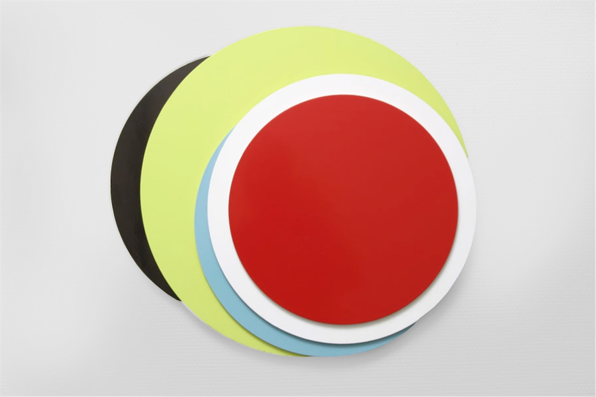 Crescendo , 2003   Lacquer on MDF, 60 cm in diameter  Samsvar , Galleri JMS, Oslo, 2004 Photo: Finn Arne Johannesen