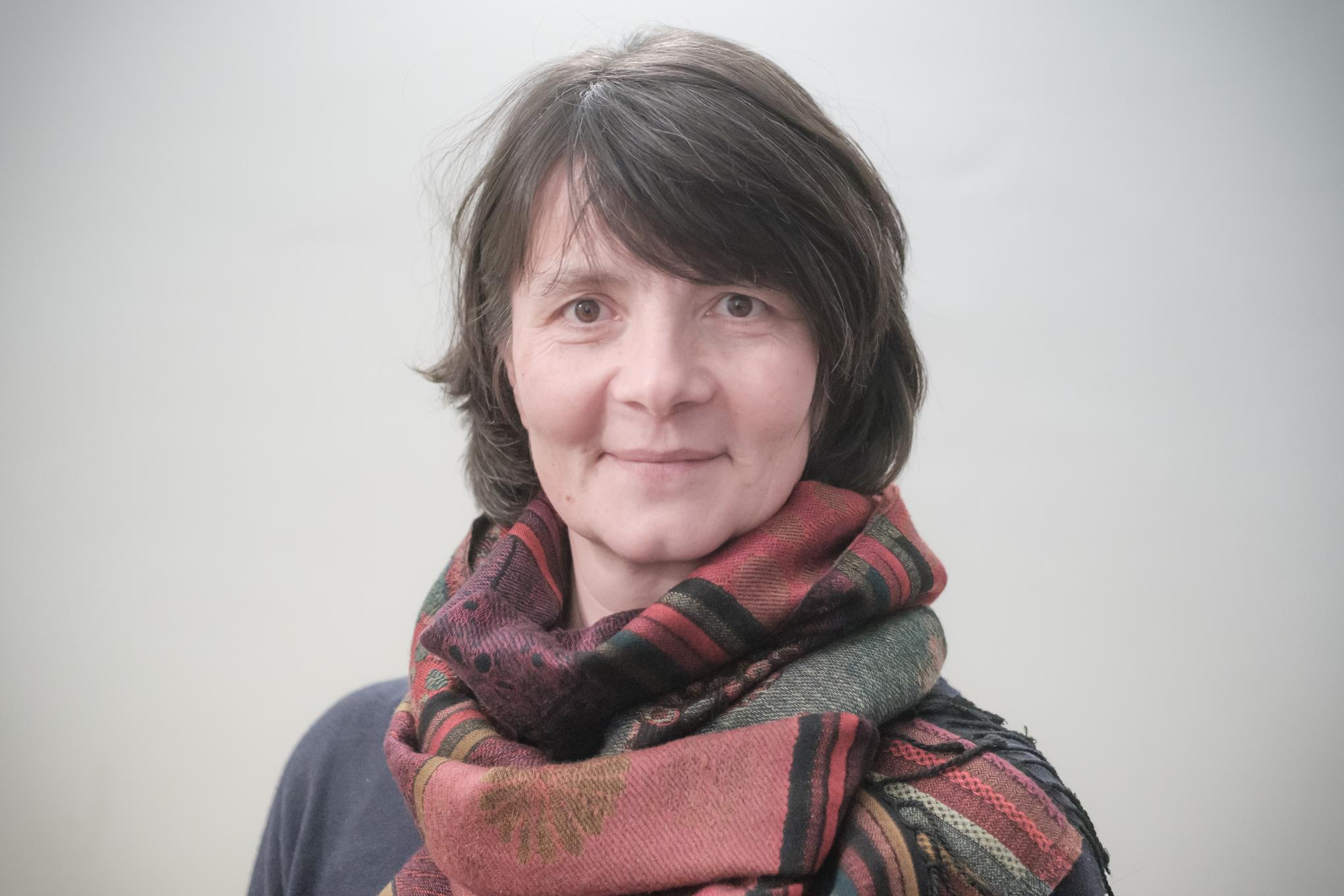 Roberta Rueger-Brunelli   Collaboratrice   r.rueger@educationfamiliale.ch  Pédagogue curative, mère de quatre enfants.