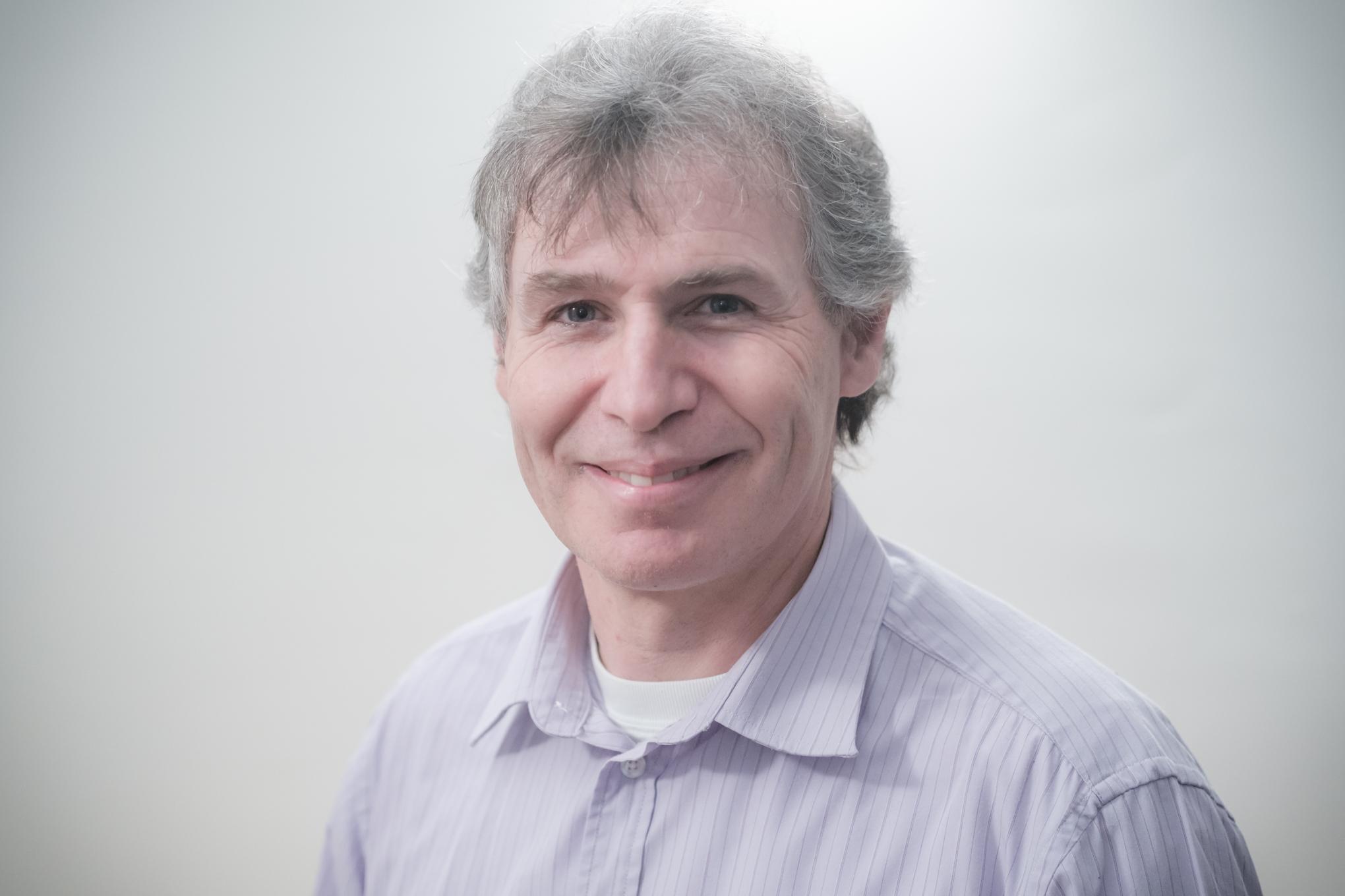Michel Brunisholz   Collaborateur   m.brunisholz@educationfamiliale.ch  Éducateur spécialisé HES, père de trois enfants.