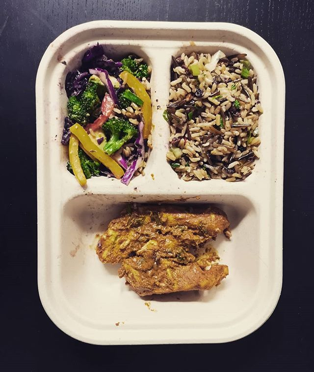 *What's fuelling you today?* - Here we got some butter chicken, avocado broccoli salad, and wild rice! - Meal from: @planetorganicmarket
