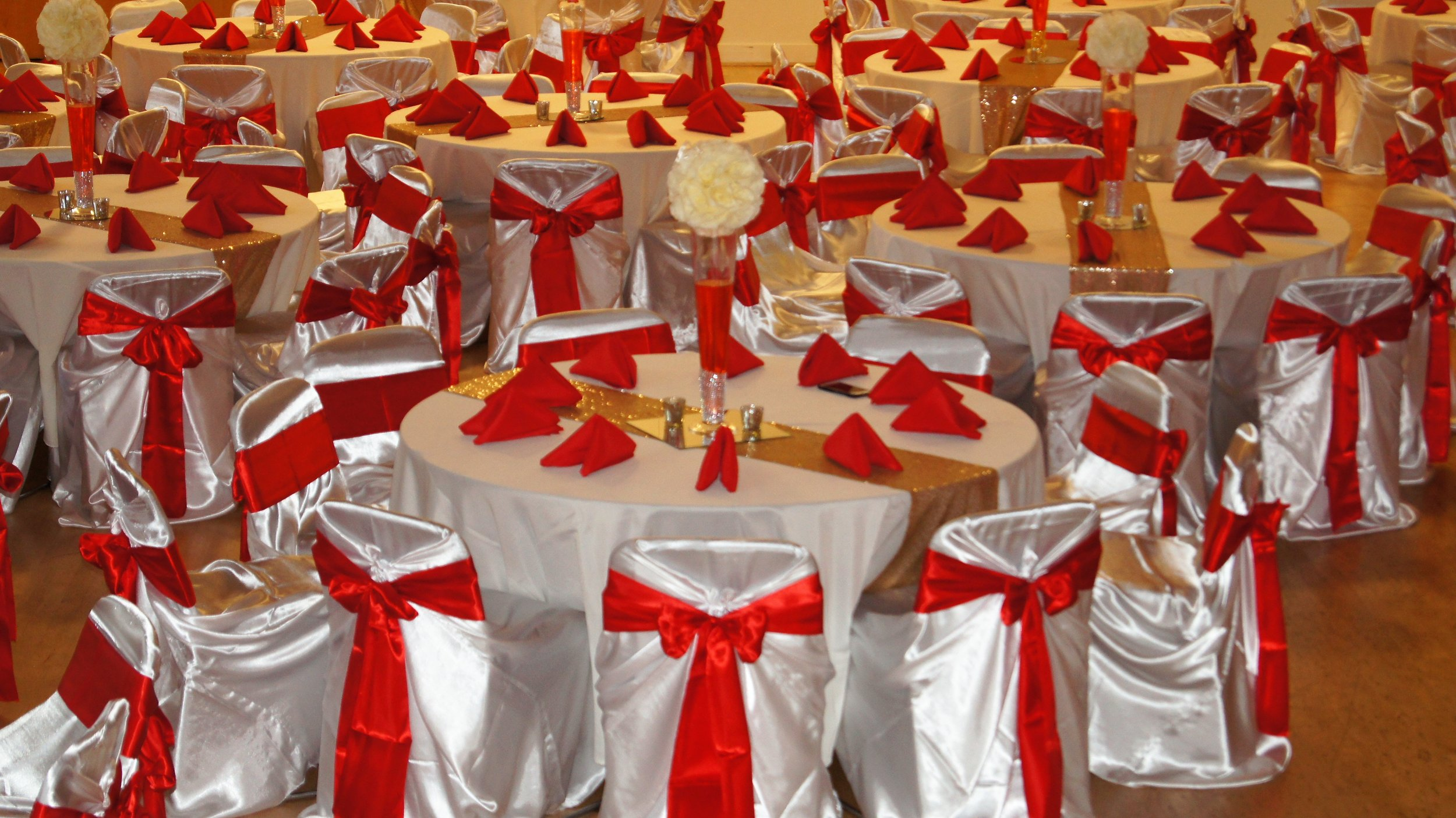 Red and white tables.JPG