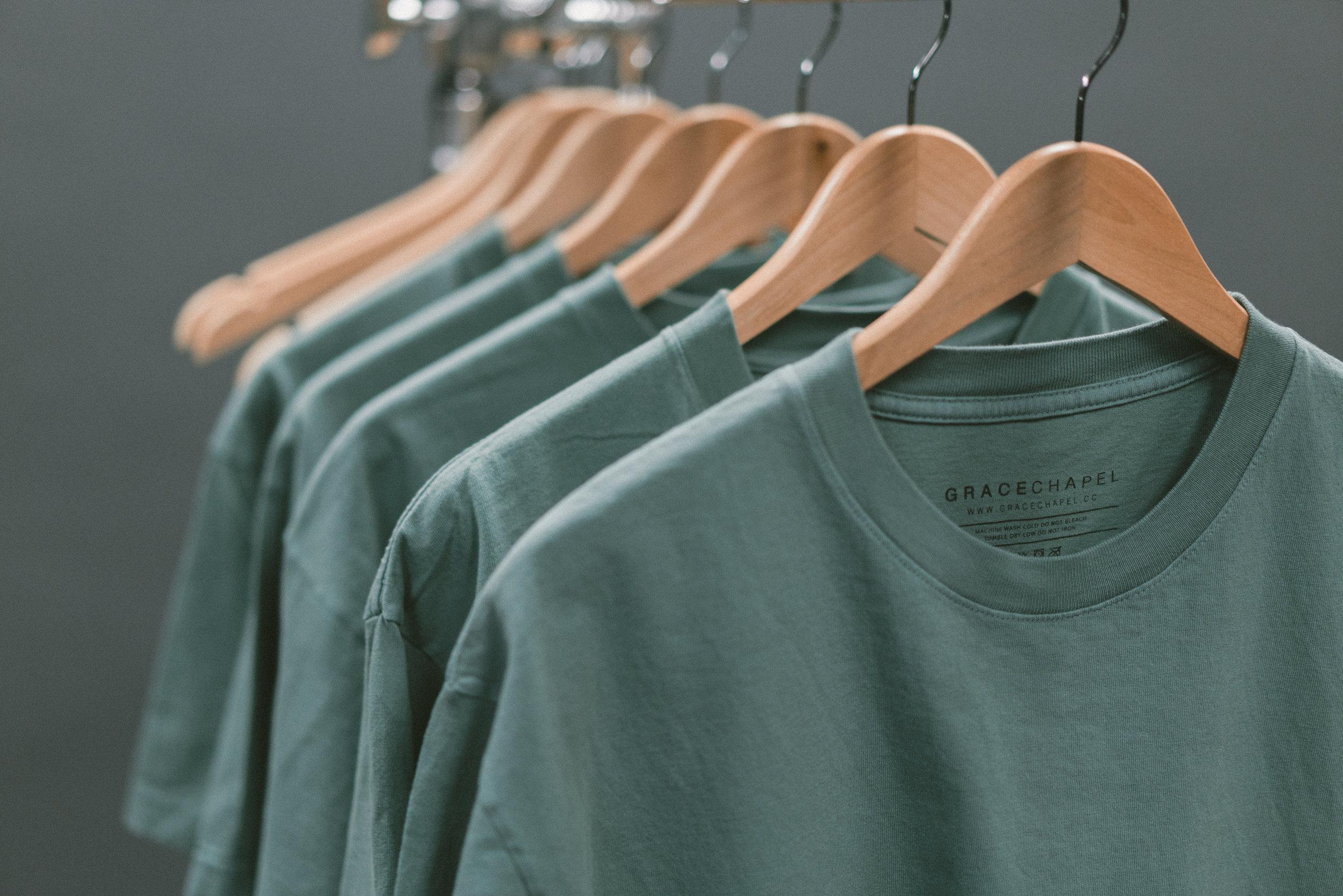 apdat-tear-away-tag-shirts-on-hanger