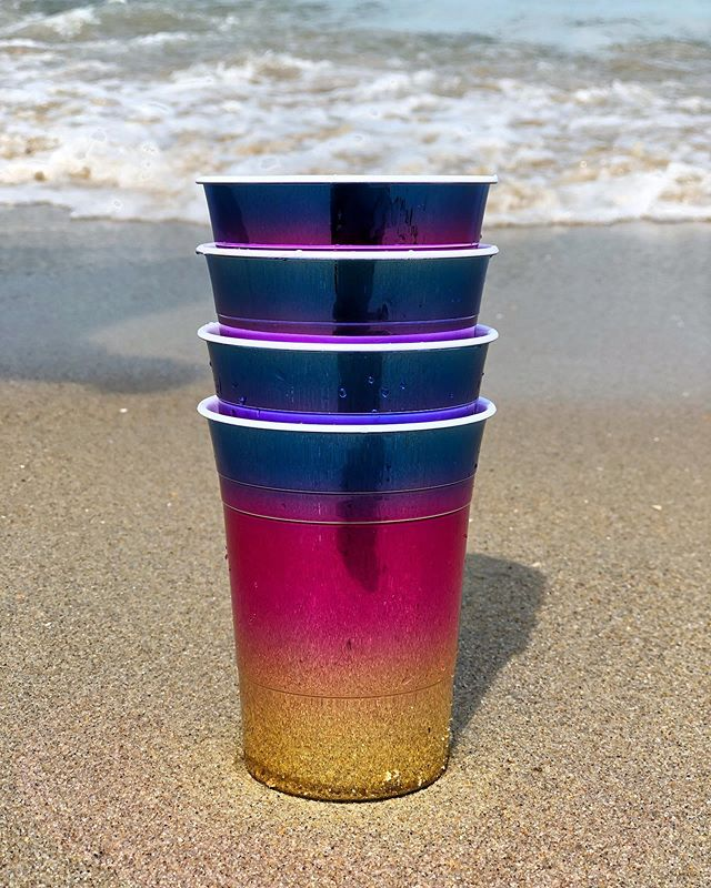 Who needs red solo cups when you can have these rainbow ones? Cheers to the weekend! 🤙🏼#tgif . . . . #tmd #vendor #retail #retailtherapy #merchandise #reusable