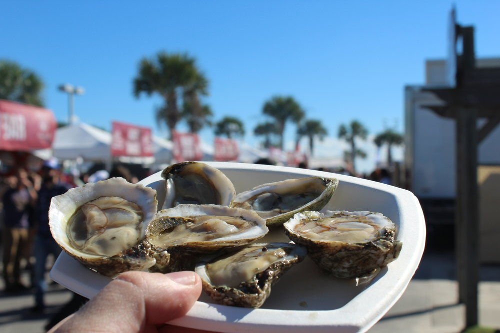 Hangout Oyster Cook-Off!  Murder Point  from the raw bar were our favorite.