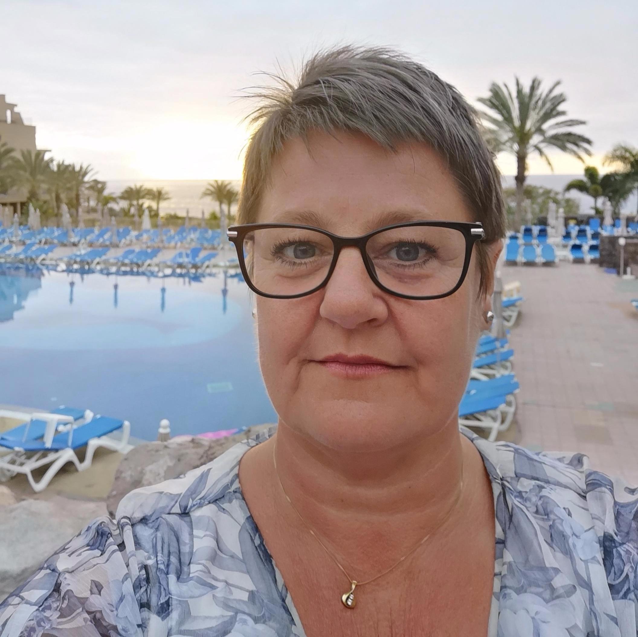 Maj-Britt Stensønes - AssistentTelefon:maj-britt.stensones@bodalenfriskole.no